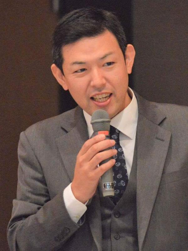 川田 浩也氏